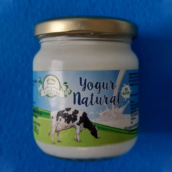 Producto-natural-artesano-Cantabria-yogur-natural-Lecha-Cudana